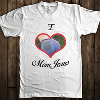 I Heart Mom Jeans Funny 90's Retro Mens Womens Graphic T-Shirt
