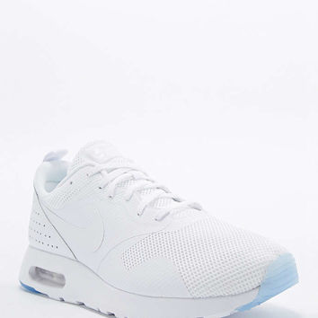 Nike Air Max Tavas SE Trainers in White - Urban Outfitters