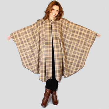 70s tartan wool cape. Vintage wrap. Brown blue plaid cloak. Attached scarf with fringes. Spring. Mad Men fashion. One size fits all.