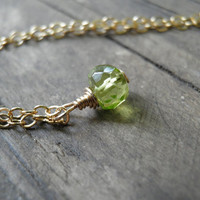 Tiny Peridot Necklace, Minimalist Necklace, Simple Necklace, Green Necklace ,14K Gold Filled, August Birthstone Necklace, Summer Fashion