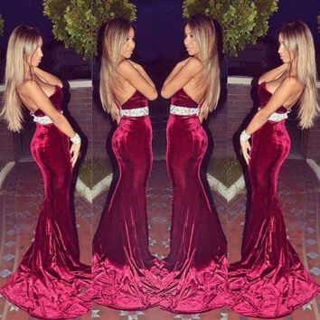 Sweetheart Mermaid Burgundy Prom Dresses 2017  New Appliques Backless Court Train Evening Gowns Vest