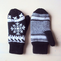 SUPER SALE! Snowflake Gloves Knit Mittens Fleece Lining Snowflake Mittens Traditional  Fair Isle Knit Gift For Her   Ready to Ship!