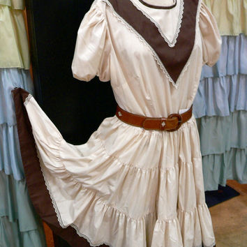 1980s Cream and Brown Lace Square Dancing Peasant Dress with Chevron L/XL