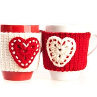 Crochet mug cozy warmer / Mug warmer, crochet heart, cup cozy, red, white, cream, hand crocheted, winter accessories, tea cozy. Set of 2