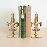 Vintage Brass Fleur de Lis Bookends, Hollywood Regency, Mid Century Decor, Library Decor