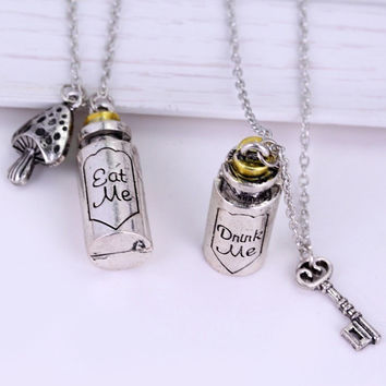 ALICE IN WONDERLAND NECKLACE CLASSIC FASHION PENDANT NECKLACES EAT ME DRANK ME CHRISTMAS GIFT BOTTLE KEY MUSHROOM ACCESSORIES