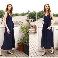 wide leg jumpsuit in navy,floral,sleeveless,V neck,high waist,crop length,fashion,minimalist style,for summer.resort.--E0120