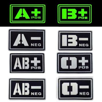 ONETOW REEBOW TACTICAL 2X BLACK Noctilucent Luminous PVC Blood Type Patches A B O AB POS NEG Military Camping First Aid Morale Patches