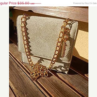 ON SALE Gold Chain Beige Leather Purse - Vintage In Excellent Condition