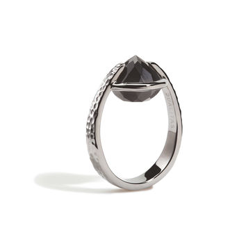 Vigor - 12mm Black Onyx Hammered Gunmetal Ring