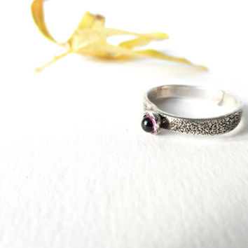Gemstone ring Rhodolite Garnet Cabochon  Sterling silver  texture ring 3mm Round stone in bezel setting