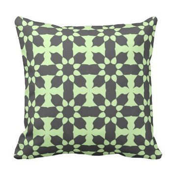 Stylish Grey Pattern Throw Pillow / Cushion