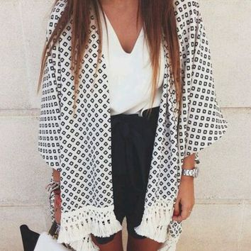 Geometric Print Cardigan With Tassel