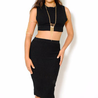(amd) Side less knit ribbed black crop top