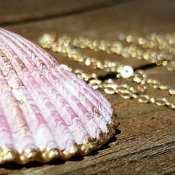 Shell necklace, seashell necklace, bridesmaid necklace,  gold dipped necklace, mermaid necklace, shell pendant necklace, layering necklace