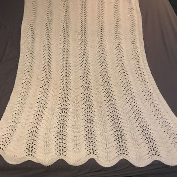 Vintage Afghan Granny Blanket Lap Throw Cream Shell Hygee Crochet 68x42