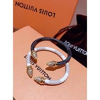 LV Louis Vuitton Stylish Women Chic Diamond Stainless Steel Cowhide Hand Catenary Double Pointed Bracelet Accessories Jewelry
