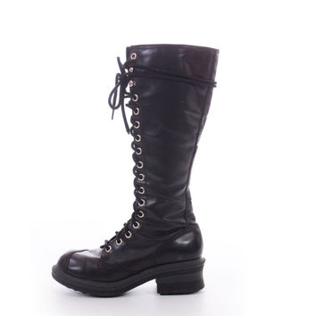 90s Black Vegan Leather Lace Up Combat Boots 17 Eye Industrial Goth Rocker Haloween Costume Boots Womens Size US 8 UK 6 EUR 38-39