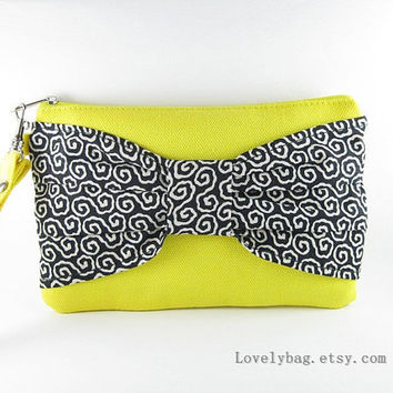 Yellow and Black Clutch -iPhone 5 Wallet,iPhone 5 Wristlet,Cell Phone Wristlet,Camera Bag,Cosmetic Bag,Zipper Pouch