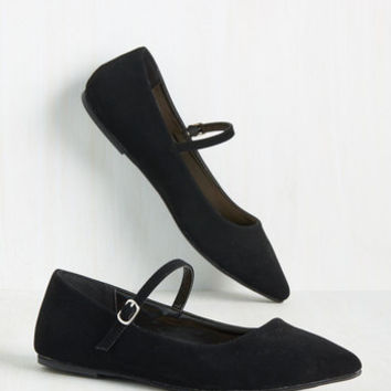 All You've Ever Jaunted Flat in Noir | Mod Retro Vintage Flats | ModCloth.com
