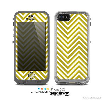The White & vintage Green Sharp Chevron Pattern Skin for the Apple iPhone 5c LifeProof Case