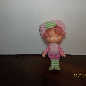 "vintage 1980's strawberry shortcake raspberry tart doll 5 1/4"" tall"