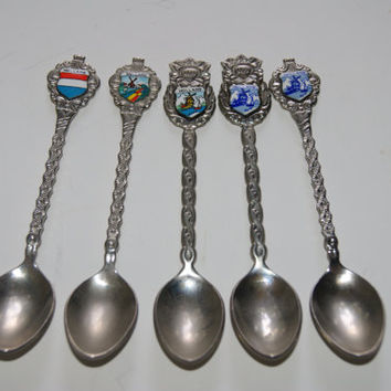 Lot Of 5 Vintage Collector Souvenir Spoons All Are Holland With Enamel Plaques 4 Windmill Scenes And 1 Flag 1970s