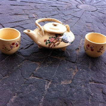 Vintage Miniature Oriental Three Piece Tea Set