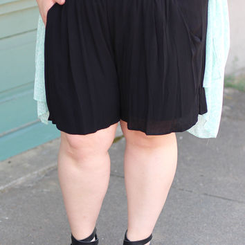 Crochet Band Loose Fit Shorts in Black {Curvy}