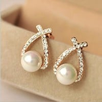 Exquisite Glossy imitation pearl earrings fashion personality Rhinestone Jewelry for women (Color: Gold) = 1669446468