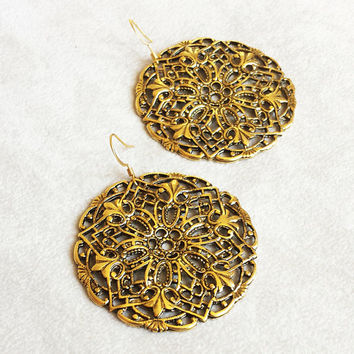Boho Chic earrings, Moroccan earrings, Brass filigree earrings, large discs earrings