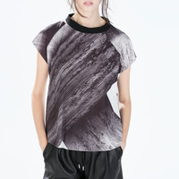 Printed funnel neck t-shirt