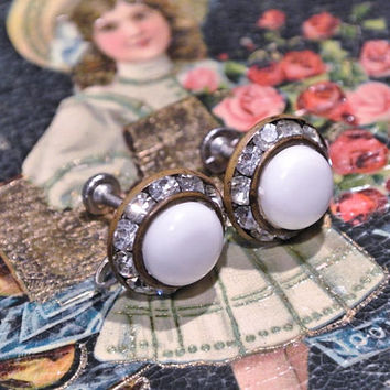 Rhinestone Earrings Lucite Earrings Screw Back 1940s 40s Rondelle High Fashion Hollywood Regency Wedding Bride White Lucite Center Cabs