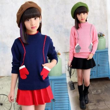 The girl's sweater covers the first autumn and winter new children's knitted bottom shirt with the big children's baby