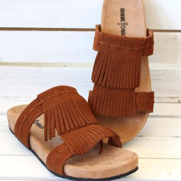 Minnetonka: Daisy Slide On Sandals {Brown}