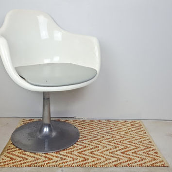 Mid Century Krueger Fiberglass Shell Arm Chair Tulip Base, Vintage Tulip Arm Chair Swivel Base, White Tulip Chair Eames Saarinen Style Chair