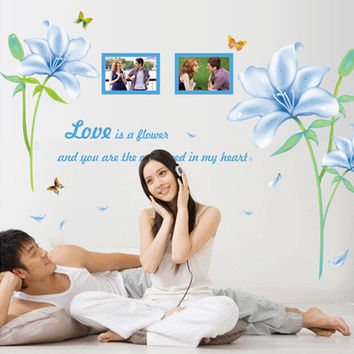 The new wall stick blue lilies The sitting room the bedroom background can be moved PVC transparent decoration SM6