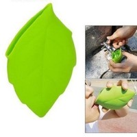 Portable Travelling Outdoor Leaf Shaped Silicone Cup Water Cup Green