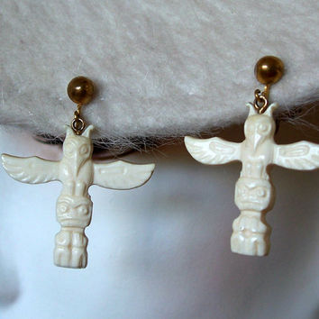 Vintage Faux Ivory Totem Pole Earrings Carved Celluloid Bone