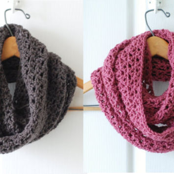 Crochet Infinity Scarf Fall Fashion Trend Cowl Accessory Style