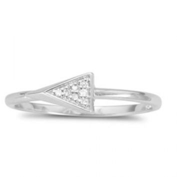 Triangle Ring with Diamonds