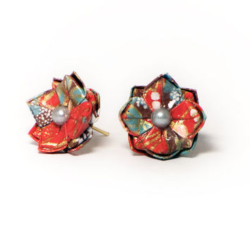 Lotus Flower Origami Stud Earrings, Japanese paper, Antique, Vintage style, Golden details
