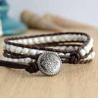 Howlite beaded wrap bracelet. White bohemian womens leather bracelet
