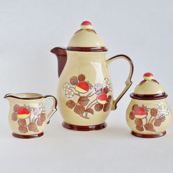 Sweet Strawberries Tea Set Teapot Creamer Sugar JAPAN