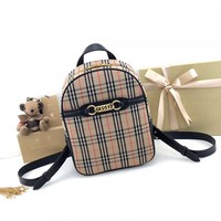 hcxx 1810 Burberry Single Chain Ring Decorative Shoulder Backpack