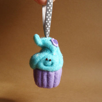 Needle felted Christmas ornament_Happy Blue Slushie cupcake ornament_Blue kawaii cupcake_Cute Christmas decoration_Cupcake Art toy