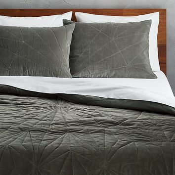 vail graphite velvet full/queen quilt