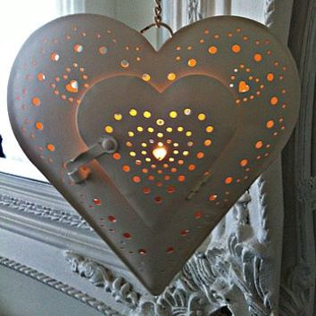 Vintage Cream Hanging Heart Tea Light Holder