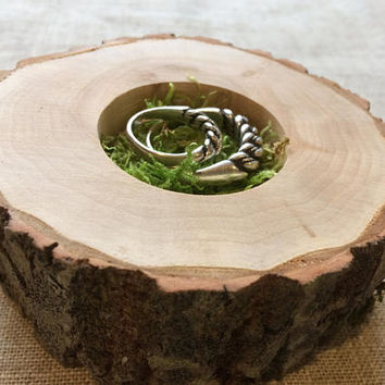 Ring Bearer Pillow Alternative, Natural Wood Slice, Woodland Wedding, Moss Ring Bearer Pillow, Country Wedding, Ring Bearer, Rustic Wood