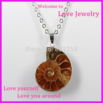 1pc New Fashion Natural Stone Snails Pendant Necklace Charm Seashell Necklace Choker Women Statement Accessories